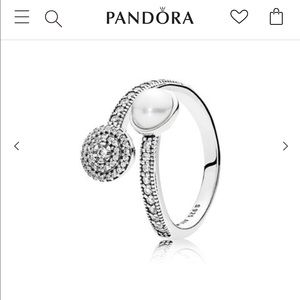 Crystal pearl authentic ring